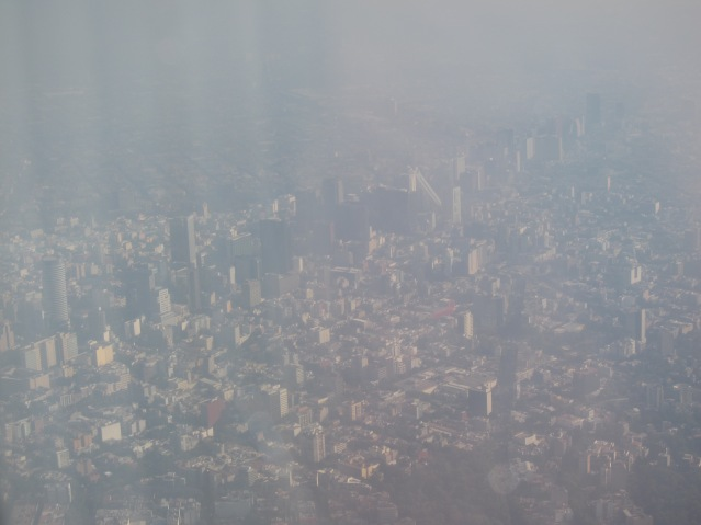 Flying in over the part of the city where we live -- Polanco.